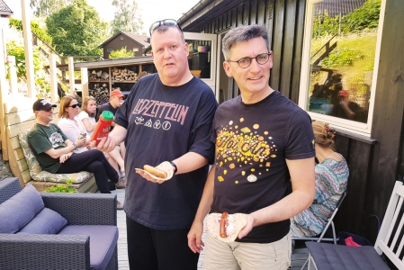 John and Andy with their venter pølse